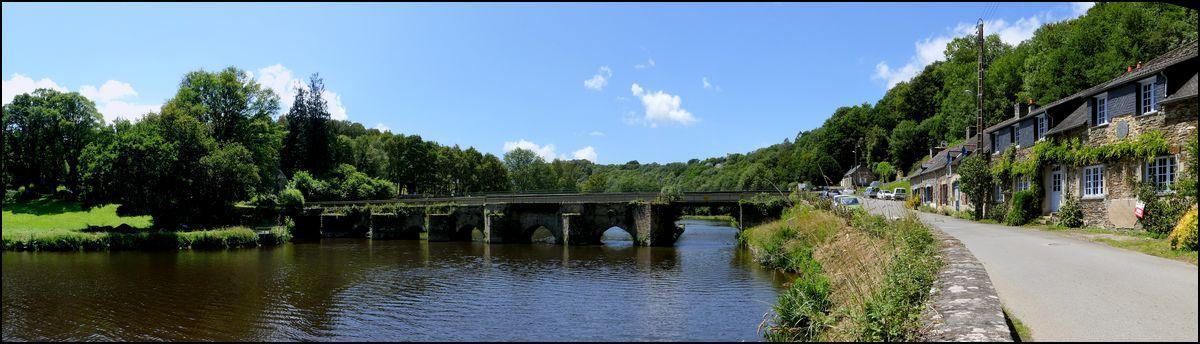 Maisonnettes et vieux ponts à Châteauneuf